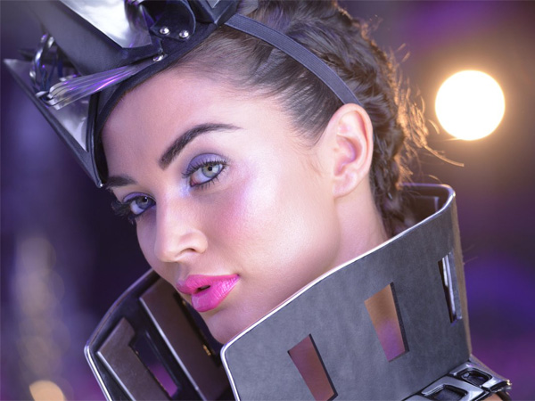 2.0 New Stills: Amy Jackson's Cool Avatar Is Sure To Make Rajinikanth Go 'WOW'