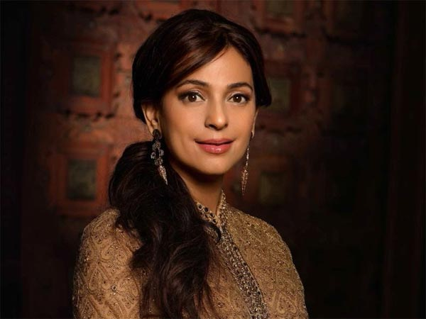 Happy Birthday Juhi Chawla: One Of Bollywood's Most Evergreen Actresses