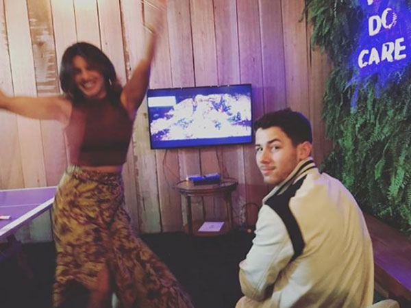 Priyanka Chopra DEFEATS Nick Jonas In Mortal Kombat; Her Aggressiveness Leaves Him Stunned!