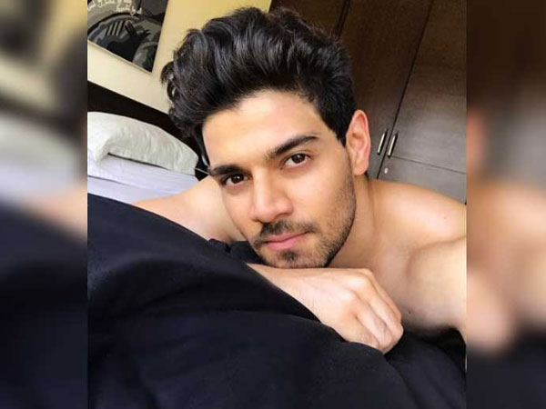 Sooraj Pancholi Thanked His Parents!