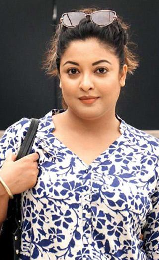 Tanushree Dutta Sends A STERN WARNING To Nana Patekar