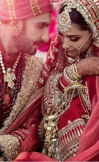 Breaking: DeepVeer Share First Pictures From Their Wedding!