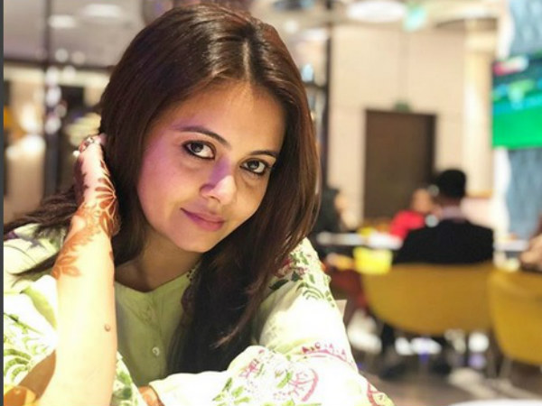 Devoleena Bhattacharjee Says There Was NO Detention; Is MIFFED With Wrong Reports!