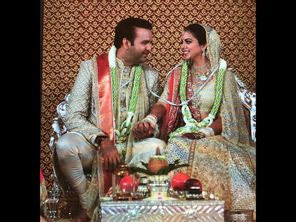 First Inside Pictures: Isha Ambani & Anand Piramal As The Bride & Groom Are A Feast To The Eyes