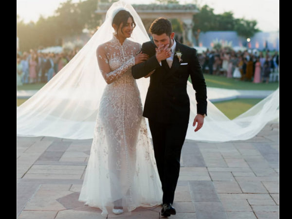 priyanka-chopra-s-official-wedding-picture-turns-into-meme