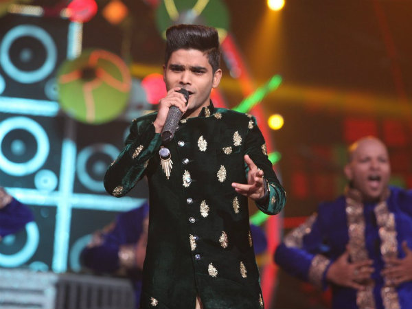 Salman Ali Performs With Javed Ali