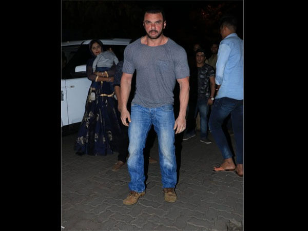 Sohail Khan Spotted At Zaheer's Birthday Party