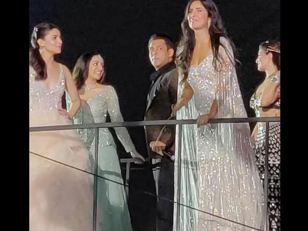 NO COLD VIBES! Alia Bhatt & Katrina Kaif CHILL With At Star Screen Awards 2018 [PIC]