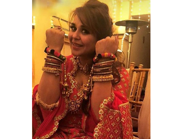 Ginni Posing With Her Bangles At Her Chooda Ceremony