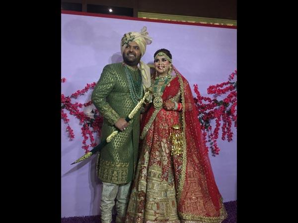 NEW PICS! Kapil Sharma & Ginni Chatrath Wedding: Hina Khan, Sunil Grover & Others Wish Newlyweds!