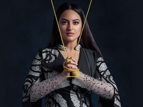 Sonakshi Sinha's Online Shopping Goes Wrong; Receives 'Rusted Iron Piece' Instead Of Headphones!