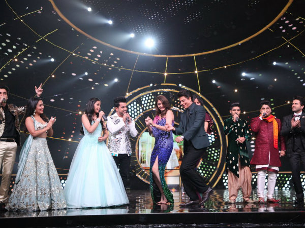 Indian Idol Contestants Pay Tribute To SRK