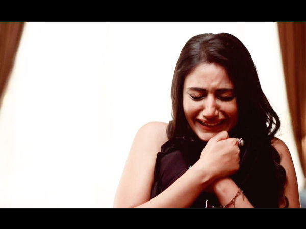 Ishqbaaz's Surbhi Chandna Aka Anika Sheds Tears As She Shoots Last Scene; Bids Emotional Goodbye