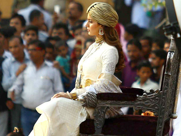 Will Kangana Ranaut's Manikarnika Release On The Scheduled Date? The Film-makers Face An Uphill Task