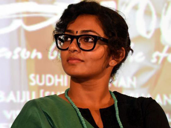 Parvathy Comes Up With A Clarification Regarding Her Statements About Kasaba!