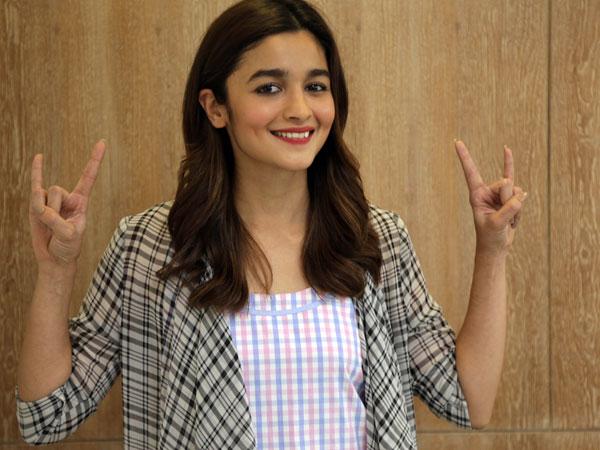 9b067da2e3b Alia Bhatt Pays Double The Amount For A Posh Apartment In Juhu, The ...