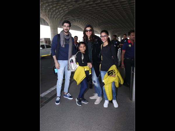 Sushmita Travels With Her Daughters And Boyfriend