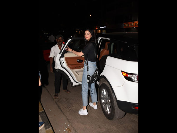 Khushi Kapoor Heads Back After The Club