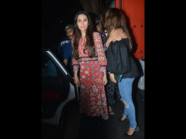 Karishma Kapoor Smiles For The Cameras