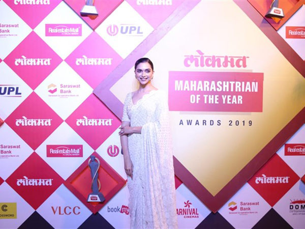 See Pictures! Deepika Padukone Is A Vision In White At The Lokmat Maharashtrian Of The Year Awards