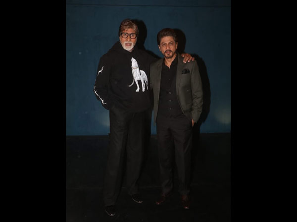 Shah Rukh Khan And Amitabh Bachchan Pose For Pictures