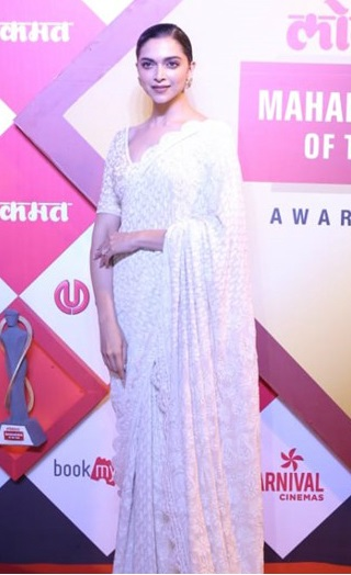 Pics: Deepika Is A Vision In White At The Lokmat Awards!