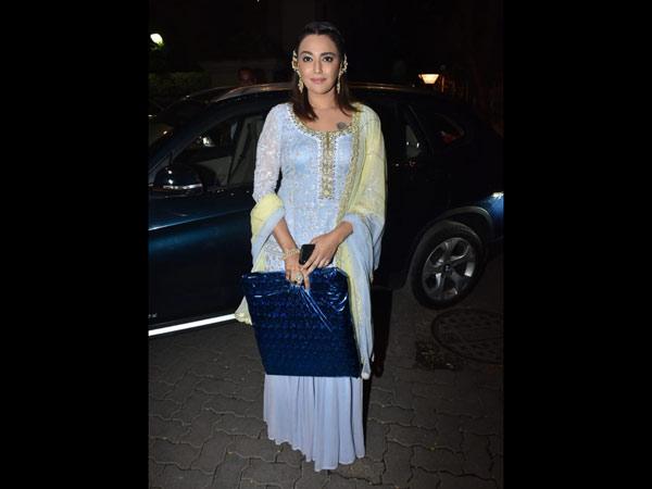 Swara Bhaskar Looks Lovely
