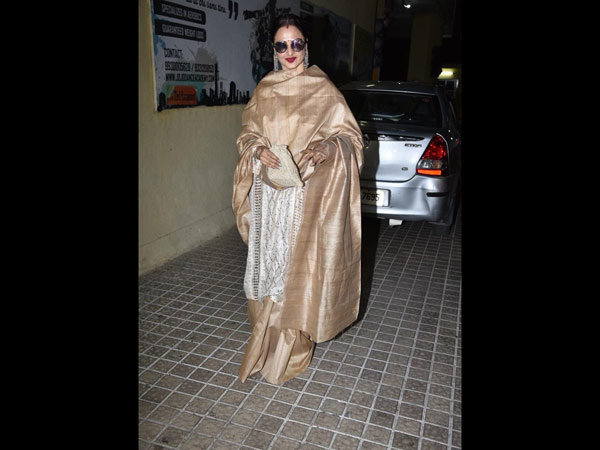 Rekha Makes An Elegant Appearance