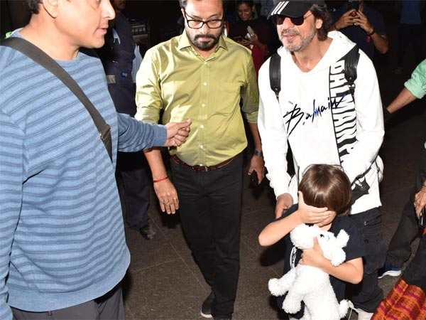 AbRam Khan Hides From The Paparazzi