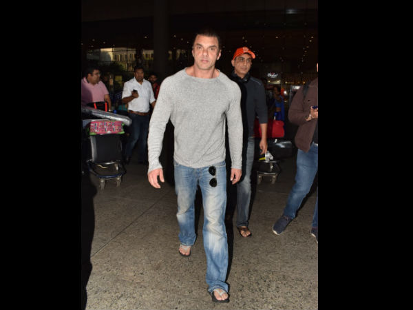 Sohail Khan Snapped At The Airport