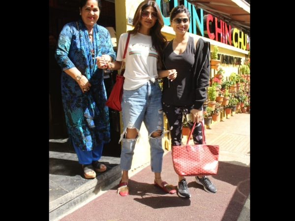 Shilpa Shetty's Lunch Outing With Family