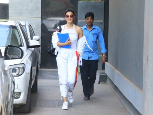 Jacqueline Fernandez Sports An All White Look