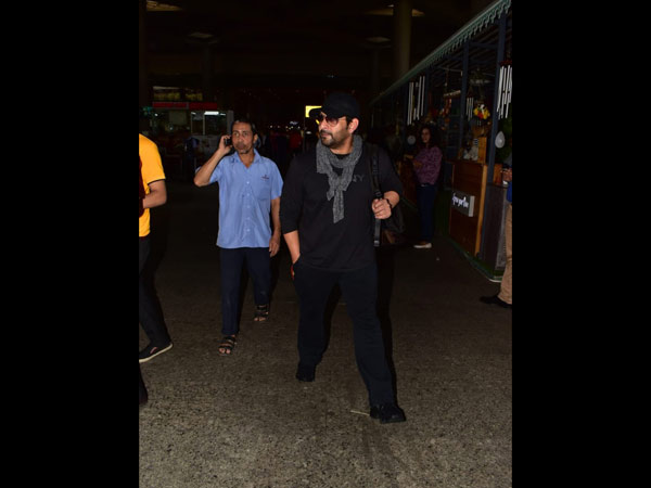 Arshad Warsi's All Black Airport Look