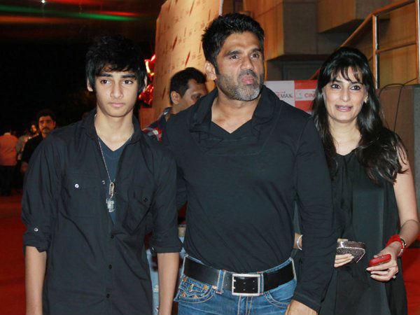 Suniel Shetty Had Also Thrashed Vivek Oberoi
