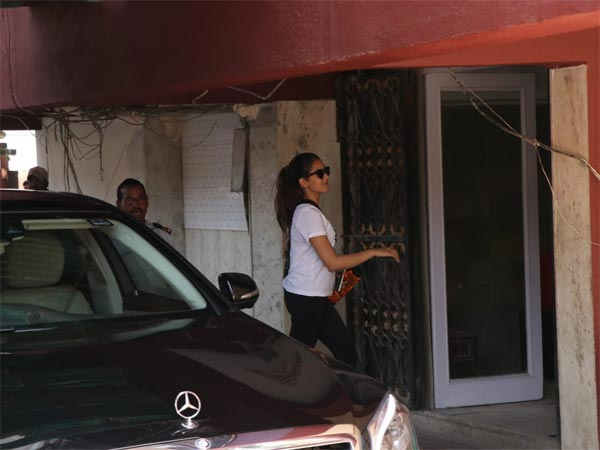 Mira Rajput Heading In For Her Intense Work Out Session