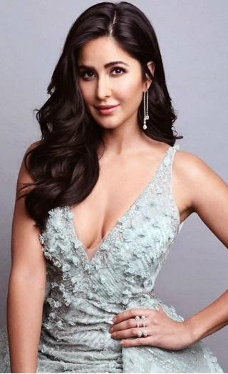 Filmfare Awards 2019: Katrina & Deepika Stun The Crowds
