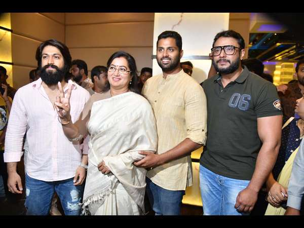 Sumalatha Ambareesh's Election Motives Questioned By This Kannada Actor; Targets Yash & Darshan?