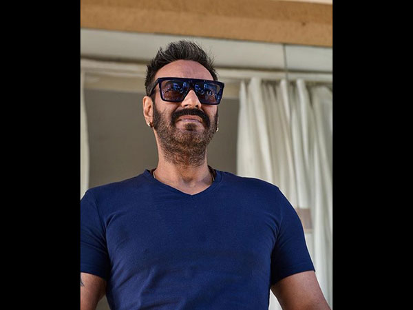 Coming To Working With Alok Nath In De De Pyaar De, Ajay Has This To Say