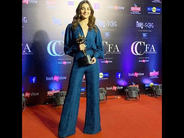Critics Choice Film Awards 2019 Winners List: Alia Bhatt Wins 'Best Actress' Trophy For Raazi!