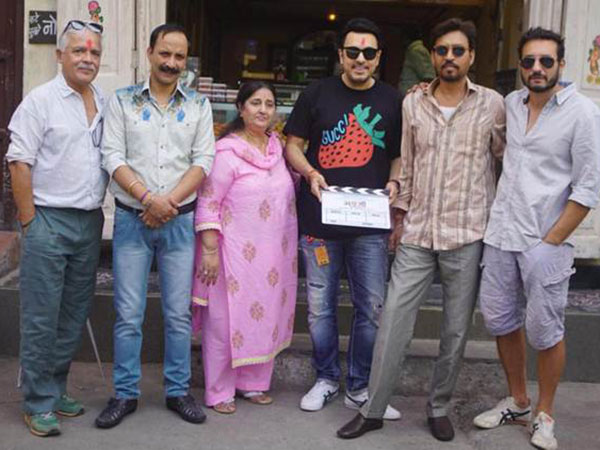 Irrfan & His 'Angrezi Medium' Team Pose For A Picture