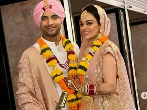 First PICTURES! Ssharad Malhotra & Ripci Bhatia Get Hitched In Gurudwara!