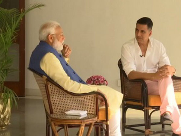 PM Modi COMPLAINTS To Akshay Kumar: Twinkle Ji Ka Poora Gussa Mujhpe Nikal Jaata Hai Twitter Pe