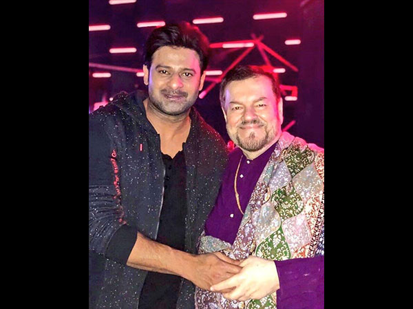 Prabhas' Viral Photo Leaves Fans Worried Due To This Reason