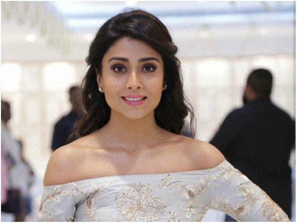 When Shriya Saran Was  Forced To Apologise For Her 'Indecent' Dress