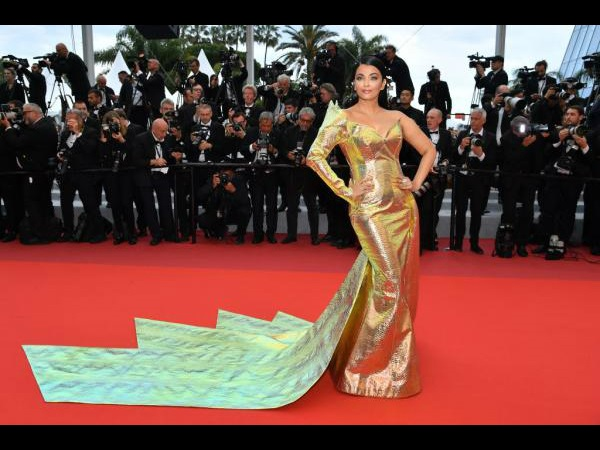 Cannes 2019: Aishwarya Rai Bachchan Shines Bright In A Metallic Yellow Gown On The Red Carpet!