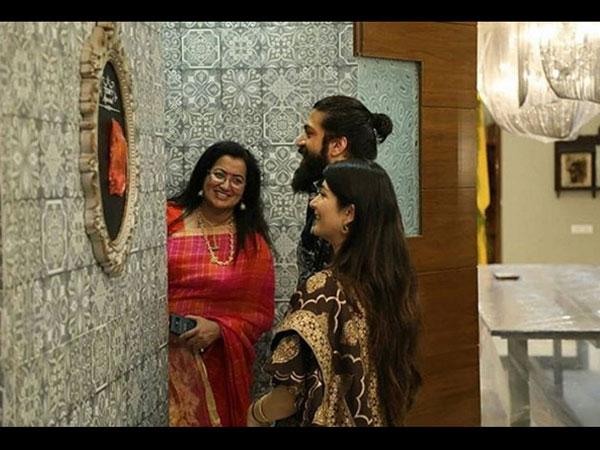 Picture Of Yash & Radhika Pandit Visiting Ambareesh's New