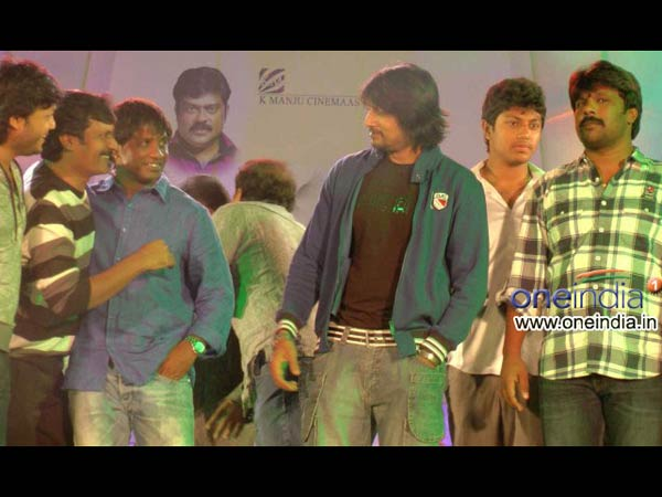 Sudeep Wishes Duniya Vijay On Turning Director