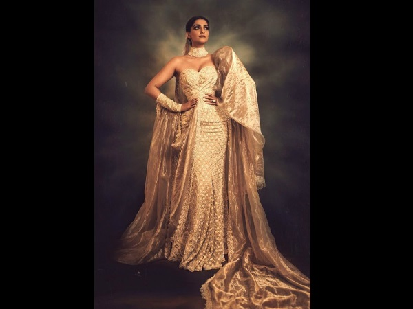 Cannes 2019: Sonam Kapoor Is A Diva Dipped In Liquid Gold & These Photos Are The Proof!