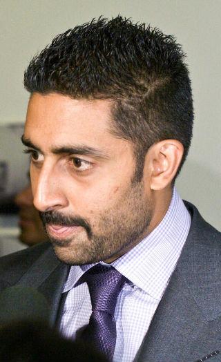 Abhishek Bachchan Was FURIOUS At Vivek Oberoi's Tweet