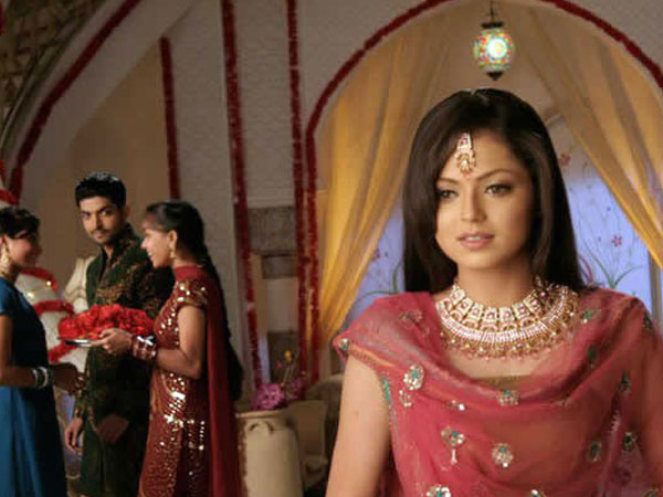 Drashti Dhami Never Wanted To Do Geet; Had Asked Director To Give Sister Role In Background!